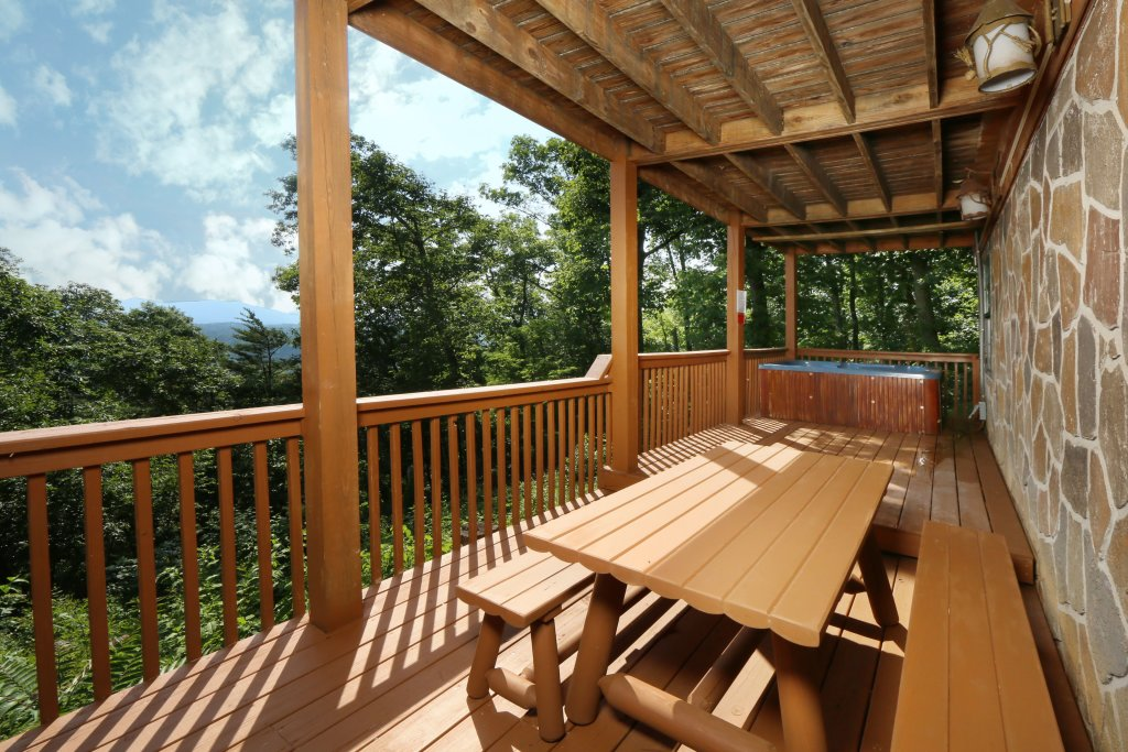 Photo of a Pigeon Forge Cabin named Smoky View On The Rocks - This is the second photo in the set.
