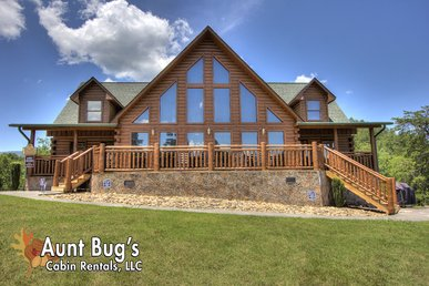 The Ultimate Premier cabin with 4 King size Master Suites & Flat Sceen TV's!