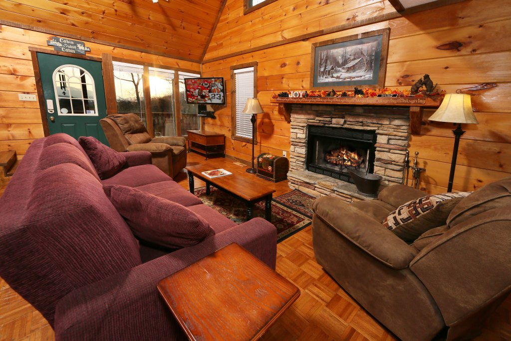 Photo of a Pigeon Forge Cabin named Windsong - This is the ninth photo in the set.