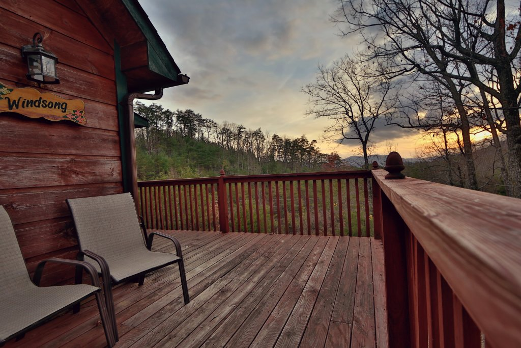 Photo of a Pigeon Forge Cabin named Windsong - This is the sixth photo in the set.