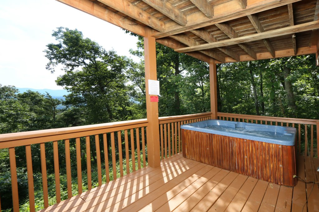 Photo of a Pigeon Forge Cabin named Smoky View On The Rocks - This is the sixth photo in the set.