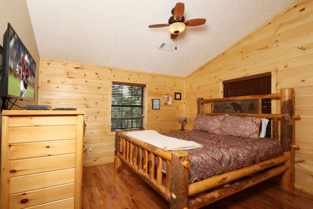 Photo of a Pigeon Forge Cabin named Smoky View On The Rocks - This is the eleventh photo in the set.
