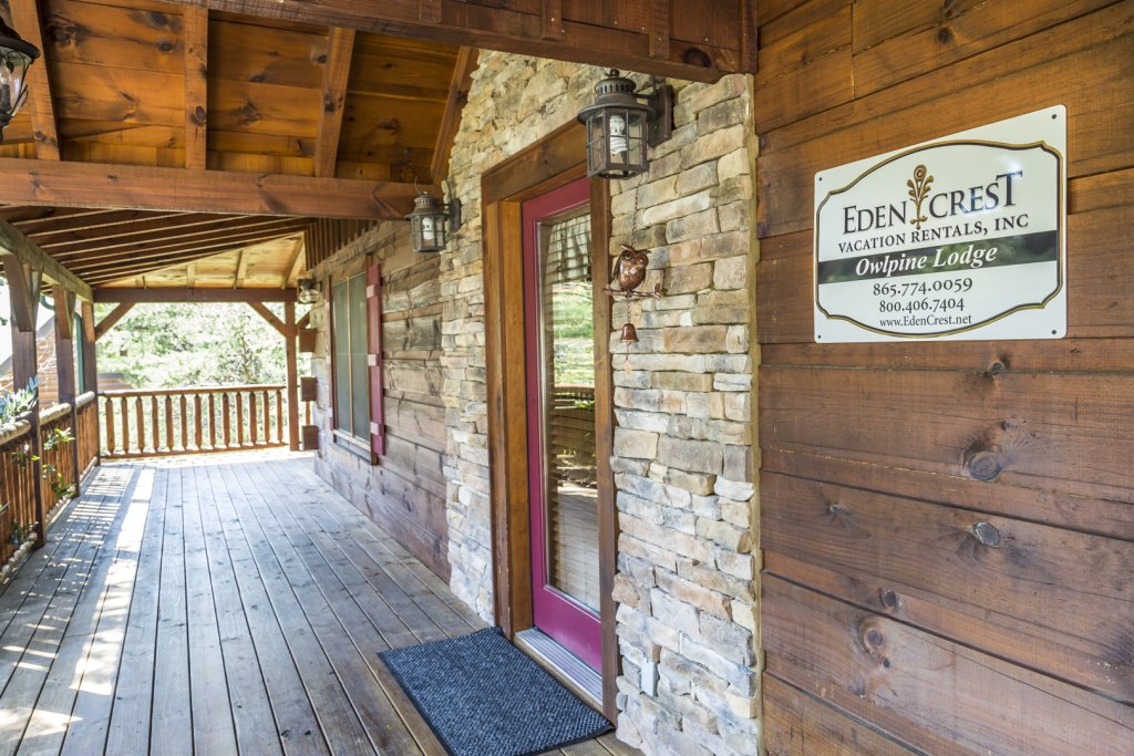 Photo of a Pigeon Forge Cabin named Owlpine Lodge - This is the fifth photo in the set.