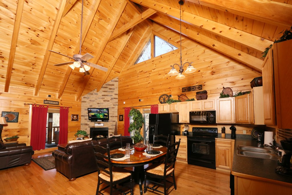 Photo of a Pigeon Forge Cabin named Sweet Surrender - This is the ninth photo in the set.