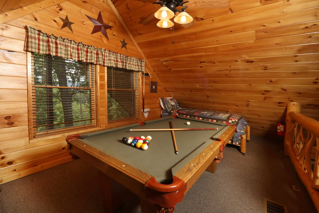 Photo of a Pigeon Forge Cabin named Starry Night - This is the seventeenth photo in the set.