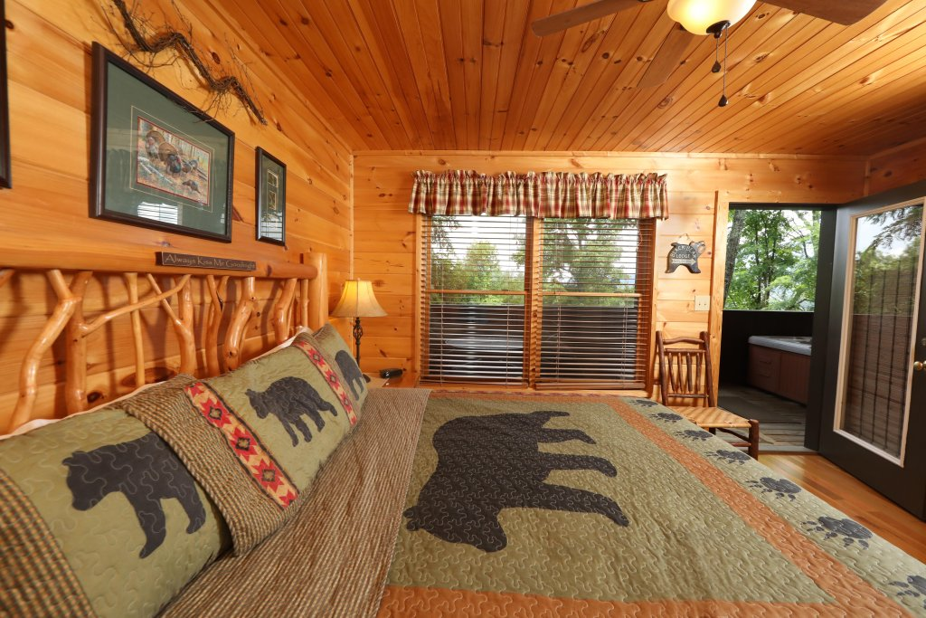 Photo of a Pigeon Forge Cabin named Starry Night - This is the fourteenth photo in the set.