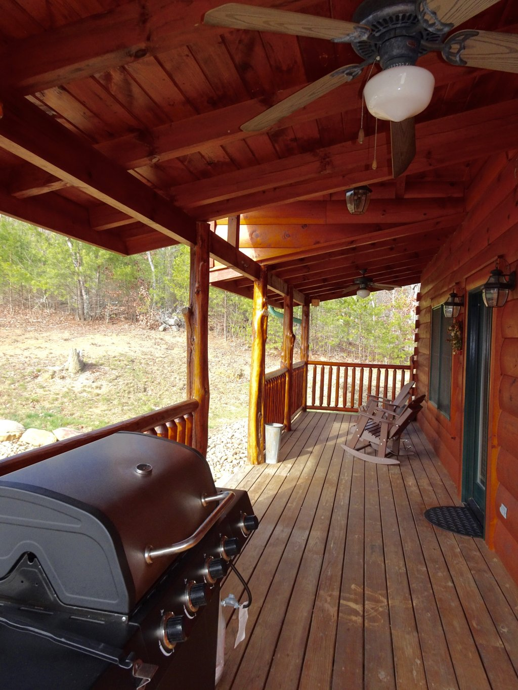 Photo of a Sevierville Cabin named Skinny Dippin - This is the fourth photo in the set.