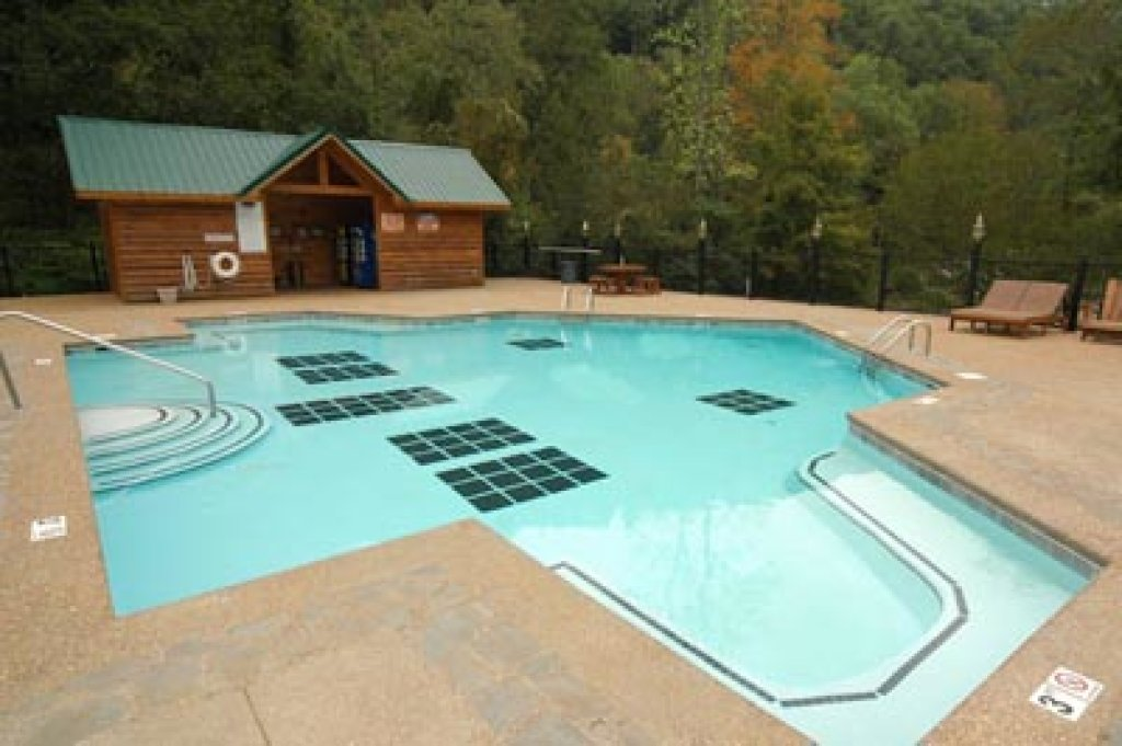 Photo of a Sevierville Cabin named Skinny Dippin - This is the twenty-fifth photo in the set.