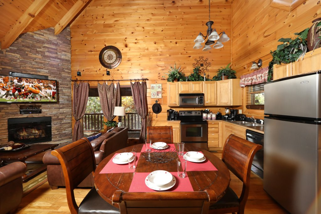 Photo of a Pigeon Forge Cabin named Amazing Grace - This is the twenty-eighth photo in the set.