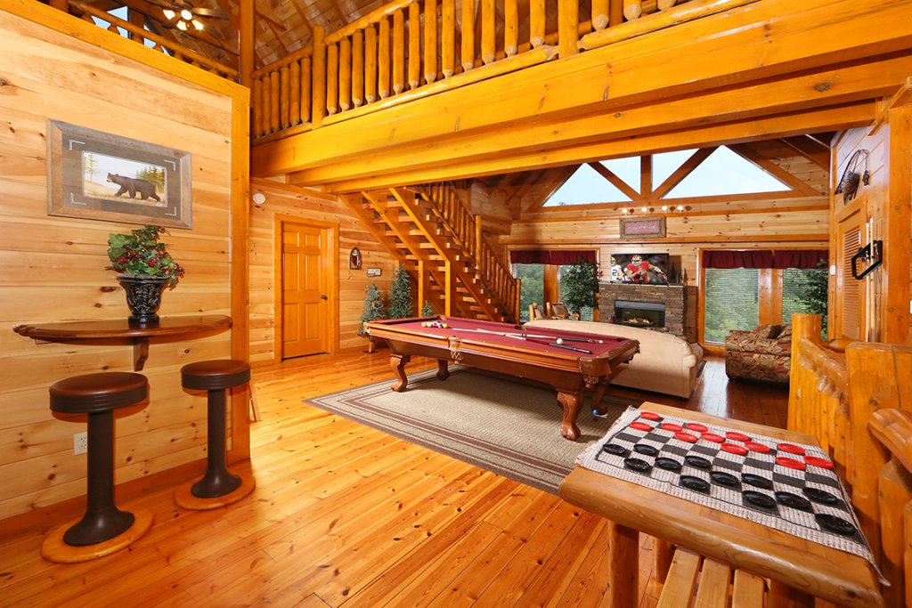 Photo of a Pigeon Forge Cabin named Mountain Movie Inn - This is the sixteenth photo in the set.