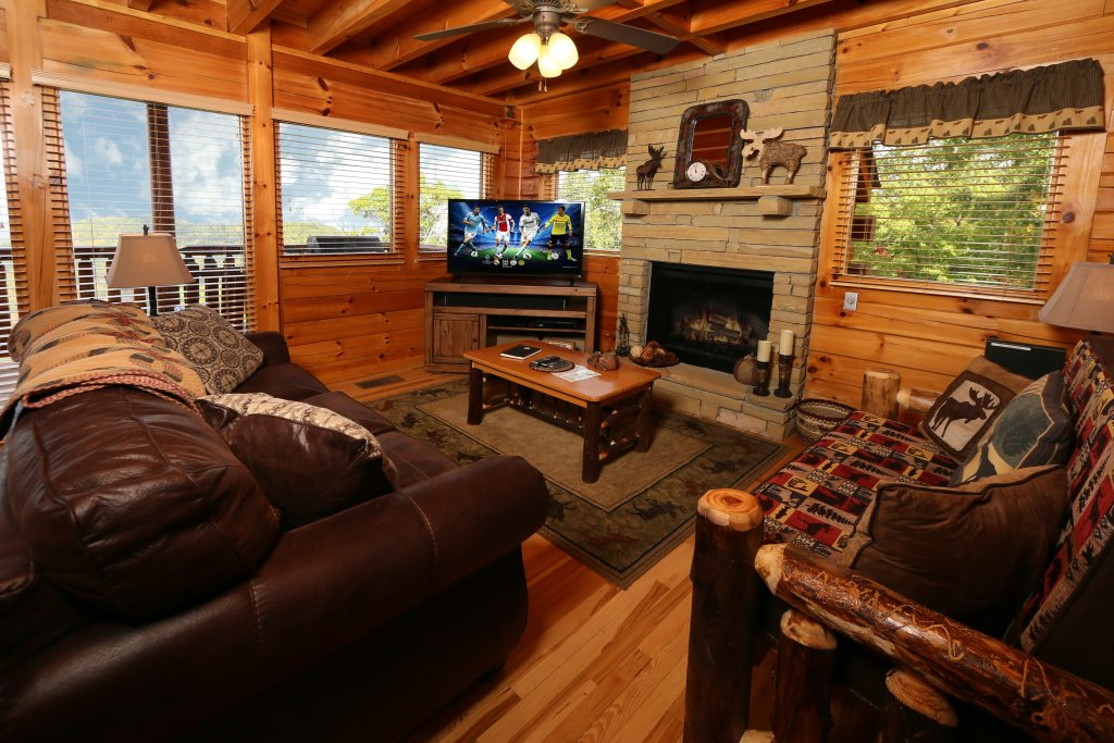 Photo of a Pigeon Forge Cabin named Chocolate Moose - This is the fifteenth photo in the set.