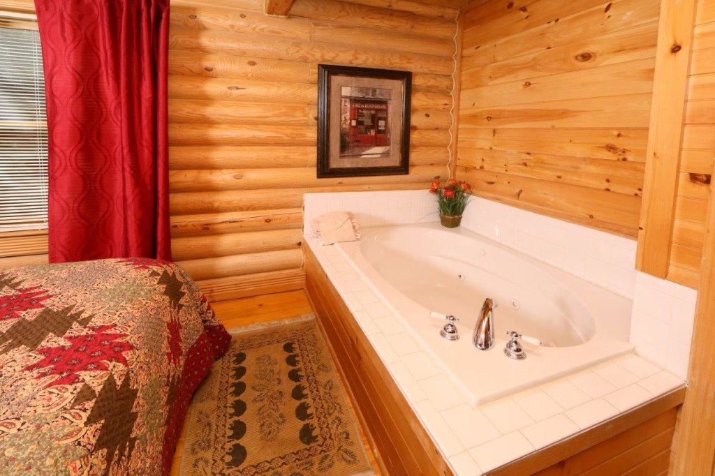 Photo of a Pigeon Forge Cabin named A Great Smoky Hideaway - This is the twelfth photo in the set.