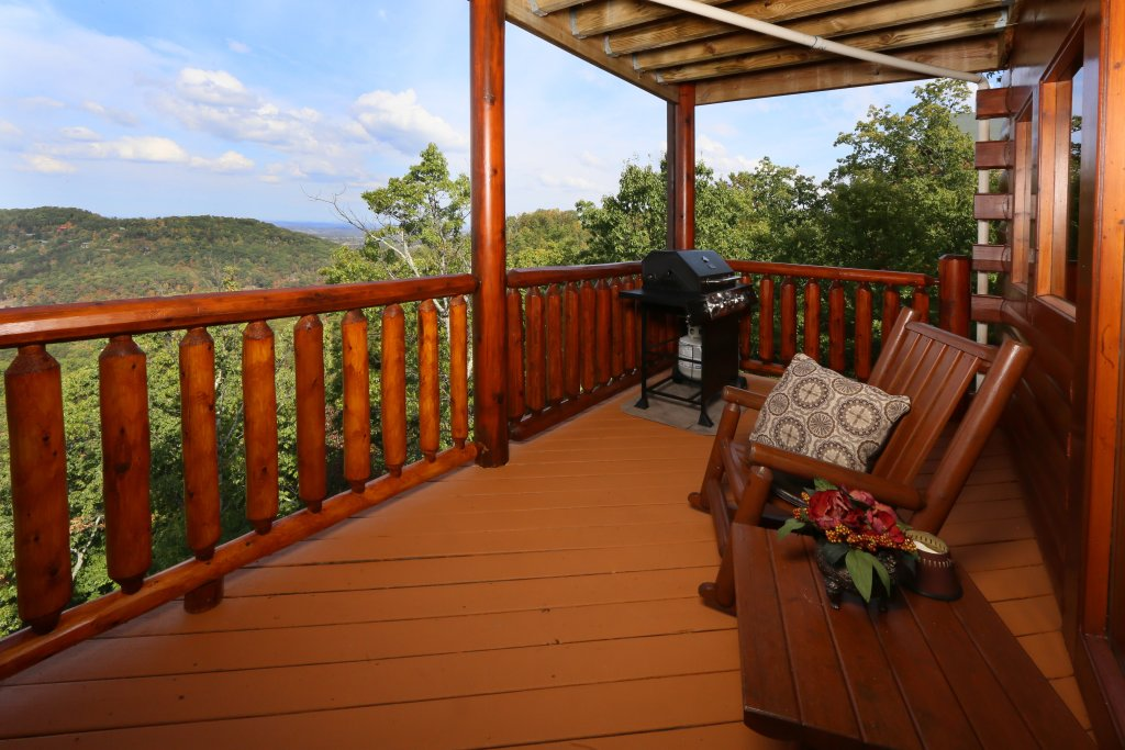 Photo of a Pigeon Forge Cabin named Chocolate Moose - This is the sixth photo in the set.