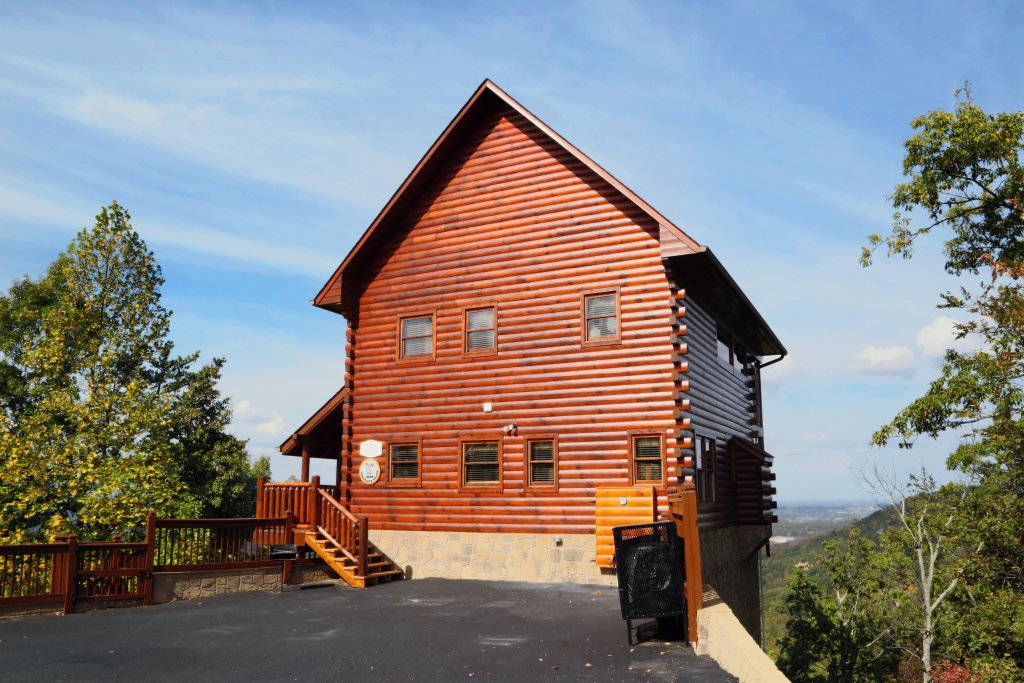 chocolate moose cabin in sevierville w 2 br sleeps8