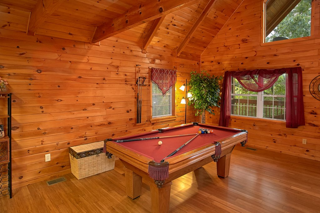 Photo of a Gatlinburg Cabin named Mountain Glory - This is the sixth photo in the set.