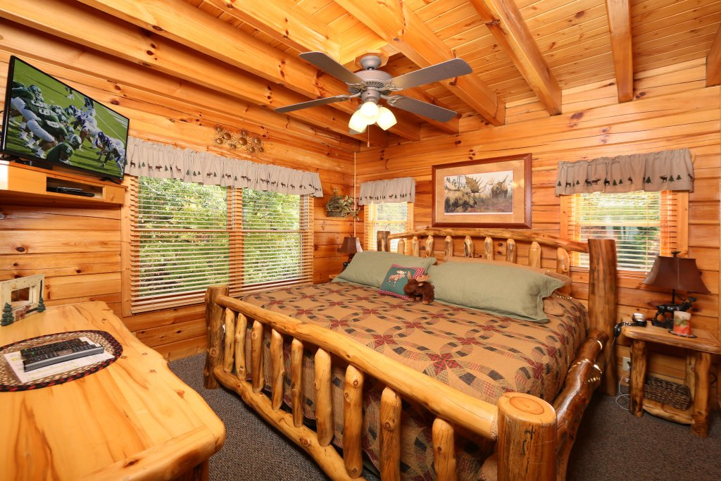 Photo of a Pigeon Forge Cabin named Chocolate Moose - This is the seventeenth photo in the set.