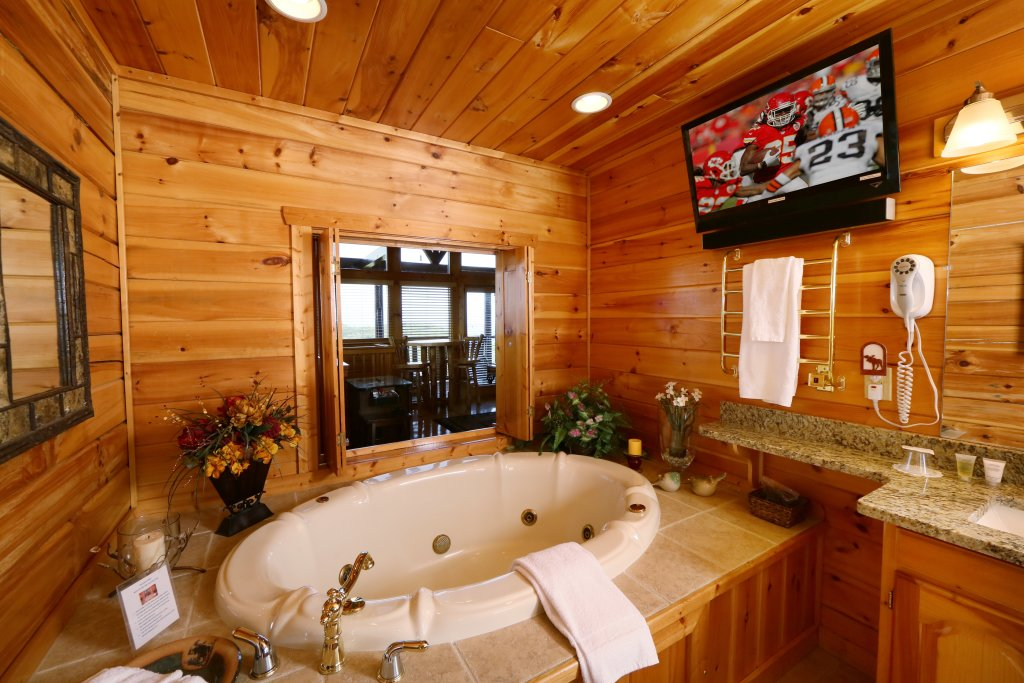 Photo of a Pigeon Forge Cabin named Chocolate Moose - This is the twentieth photo in the set.