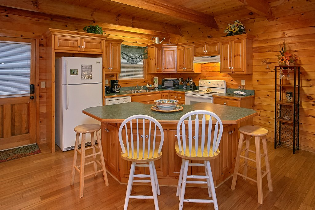 Photo of a Gatlinburg Cabin named Mountain Glory - This is the sixteenth photo in the set.
