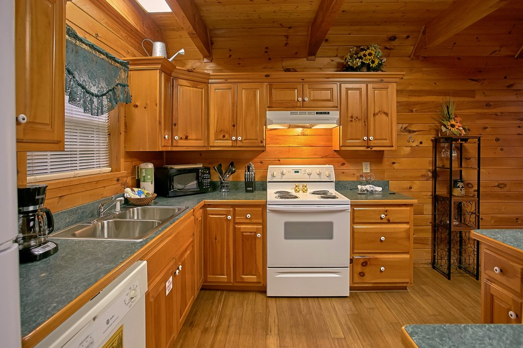 Photo of a Gatlinburg Cabin named Mountain Glory - This is the seventeenth photo in the set.