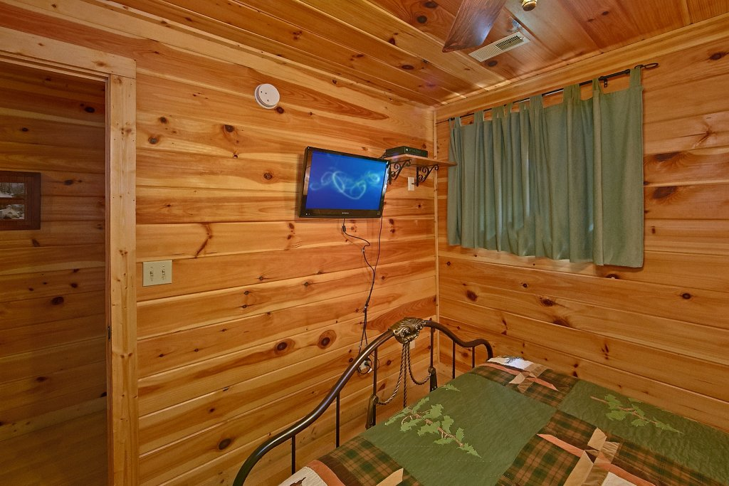 Photo of a Gatlinburg Cabin named Cajun Hideaway - This is the thirteenth photo in the set.