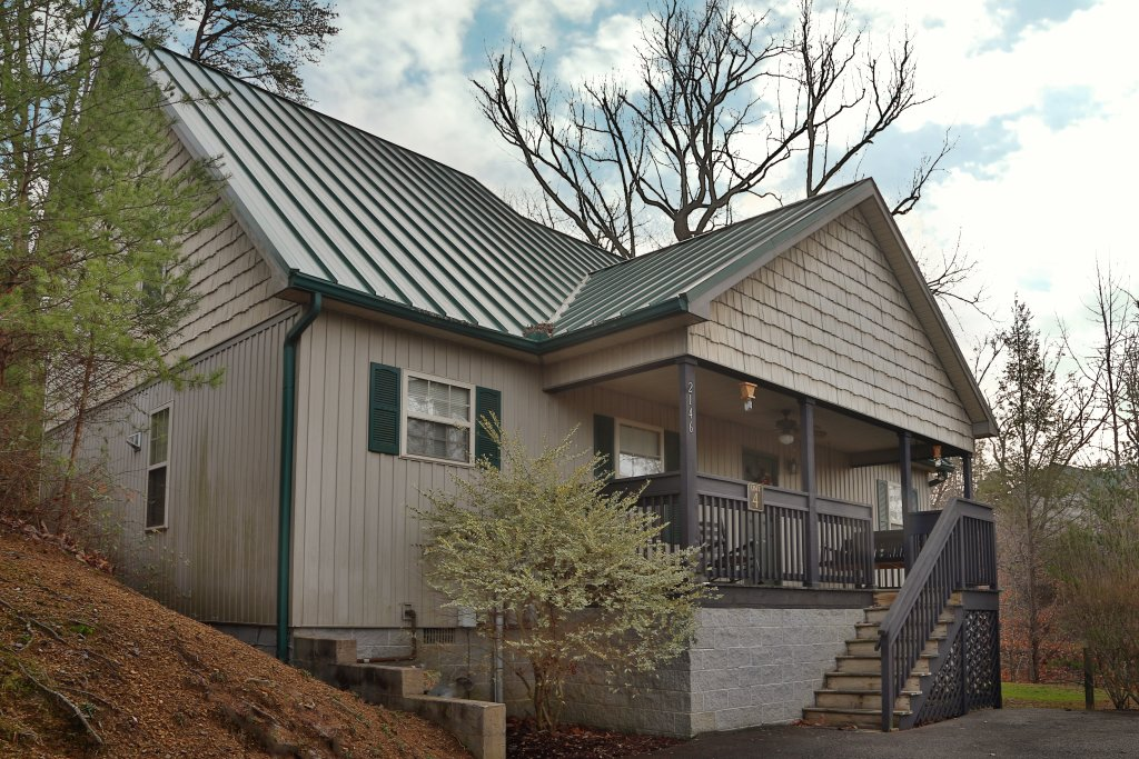 Photo of a Pigeon Forge Cabin named Wildwood Falls (#4) - This is the first photo in the set.