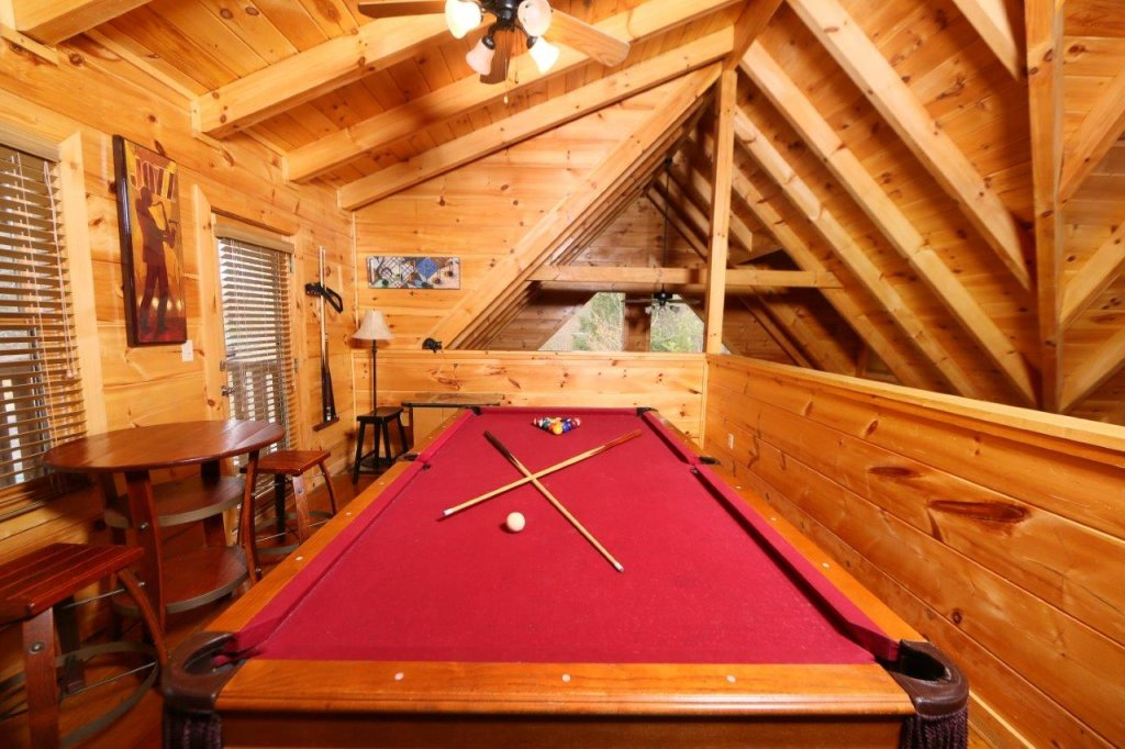 Photo of a Pigeon Forge Cabin named Smoky Mountain Getaway - This is the twentieth photo in the set.
