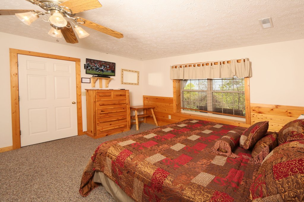 Photo of a Pigeon Forge Cabin named Majestic Views - This is the twentieth photo in the set.