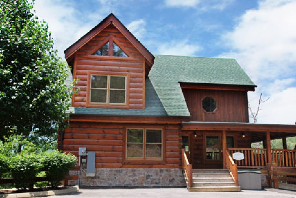 Photo of a Pigeon Forge Cabin named Echoes Of Eden - This is the first photo in the set.