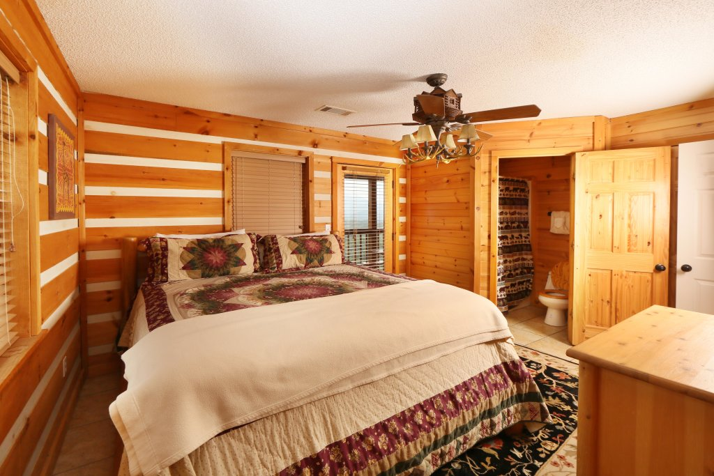 Photo of a Pigeon Forge Cabin named Smoky View With A Twist - This is the eleventh photo in the set.