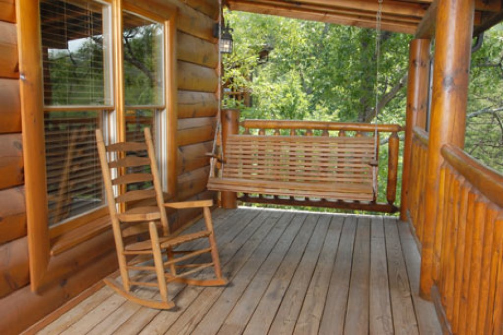 Photo of a Pigeon Forge Cabin named Echoes Of Eden - This is the sixth photo in the set.