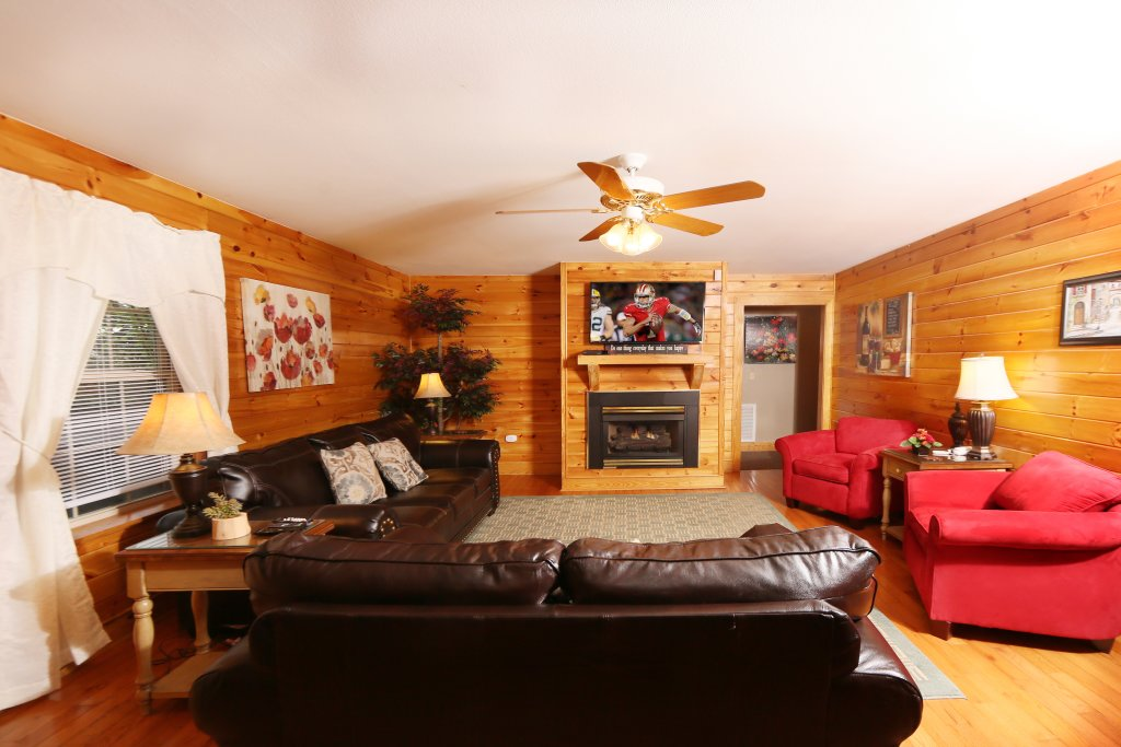 Photo of a Pigeon Forge Cabin named Pinnacle View 7c - This is the ninth photo in the set.