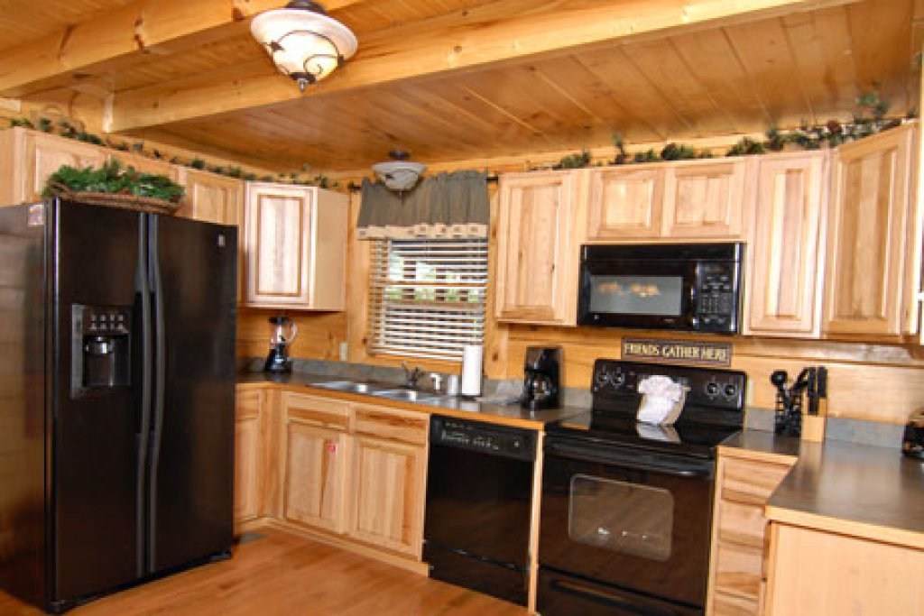Photo of a Pigeon Forge Cabin named Echoes Of Eden - This is the thirteenth photo in the set.