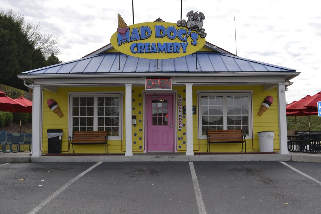 Photo of a Pigeon Forge Cabin named Smoky View With A Twist - This is the twenty-second photo in the set.