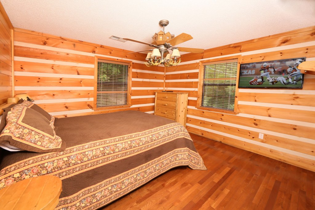 Photo of a Pigeon Forge Cabin named Smoky View With A Twist - This is the ninth photo in the set.