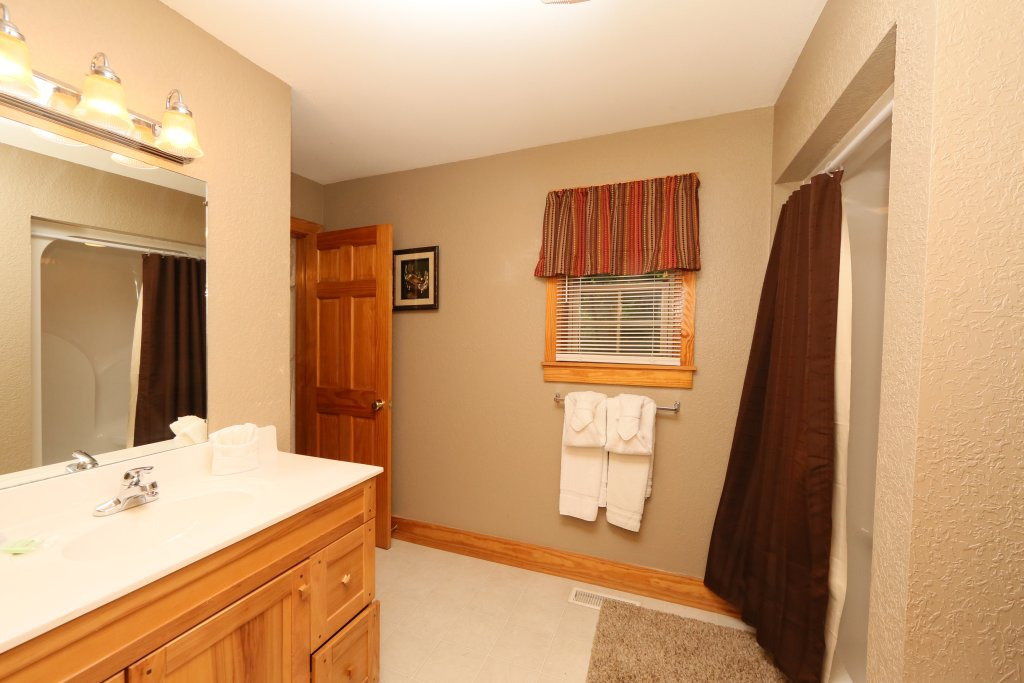 Photo of a Pigeon Forge Cabin named Pinnacle View 7c - This is the twentieth photo in the set.