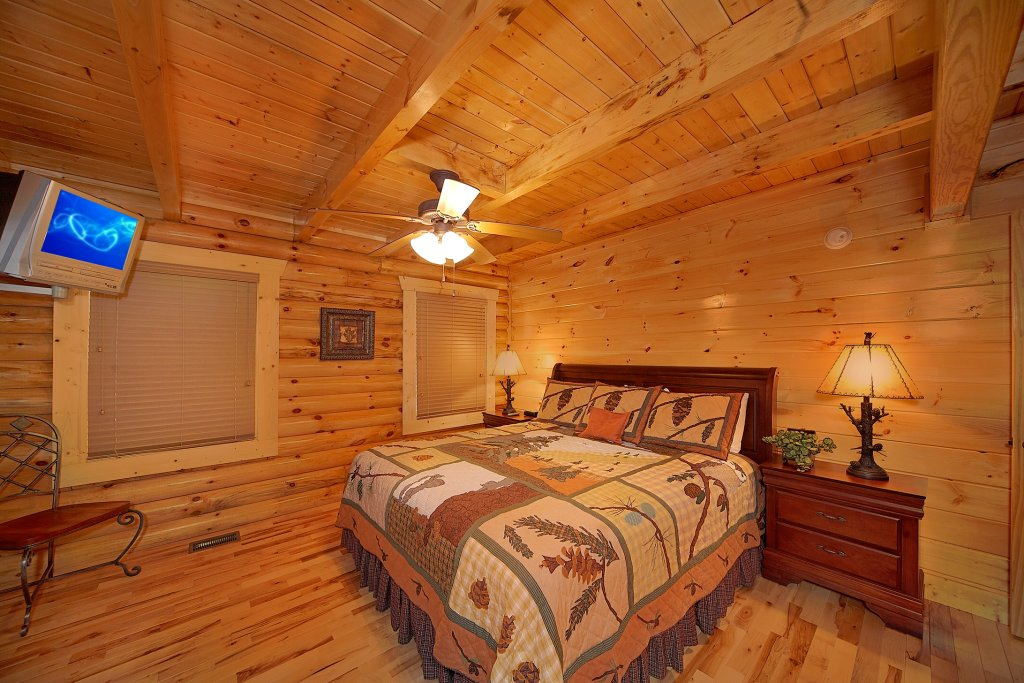 Photo of a Gatlinburg Cabin named Rascals Retreat - This is the eighth photo in the set.