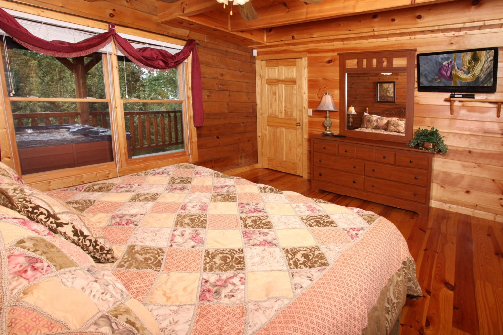 Photo of a Gatlinburg Cabin named Paws Forever - This is the fourteenth photo in the set.