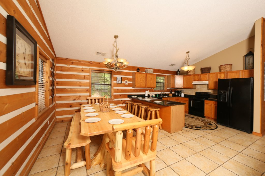 Photo of a Pigeon Forge Cabin named Smoky View With A Twist - This is the twentieth photo in the set.
