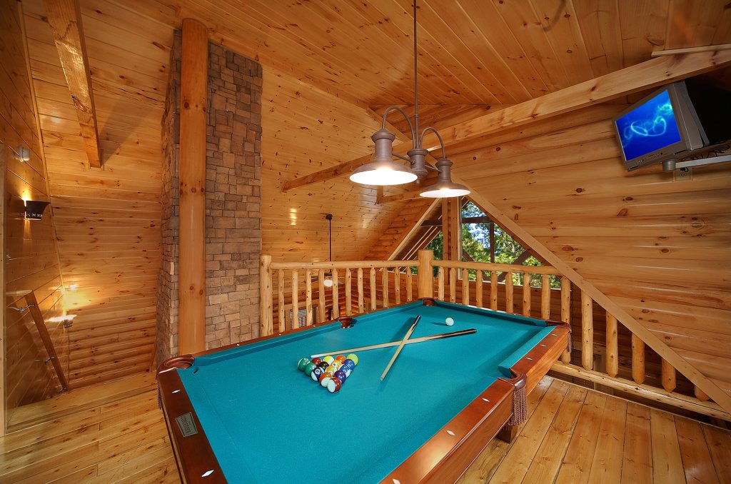 Photo of a Gatlinburg Cabin named Rascals Retreat - This is the third photo in the set.