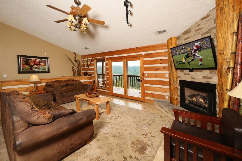 Photo of a Pigeon Forge Cabin named Smoky View With A Twist - This is the sixth photo in the set.