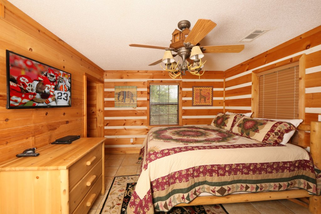 Photo of a Pigeon Forge Cabin named Smoky View With A Twist - This is the tenth photo in the set.