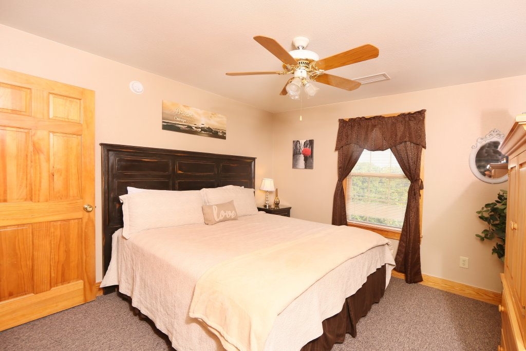 Photo of a Pigeon Forge Cabin named Pinnacle View 7b - This is the twentieth photo in the set.