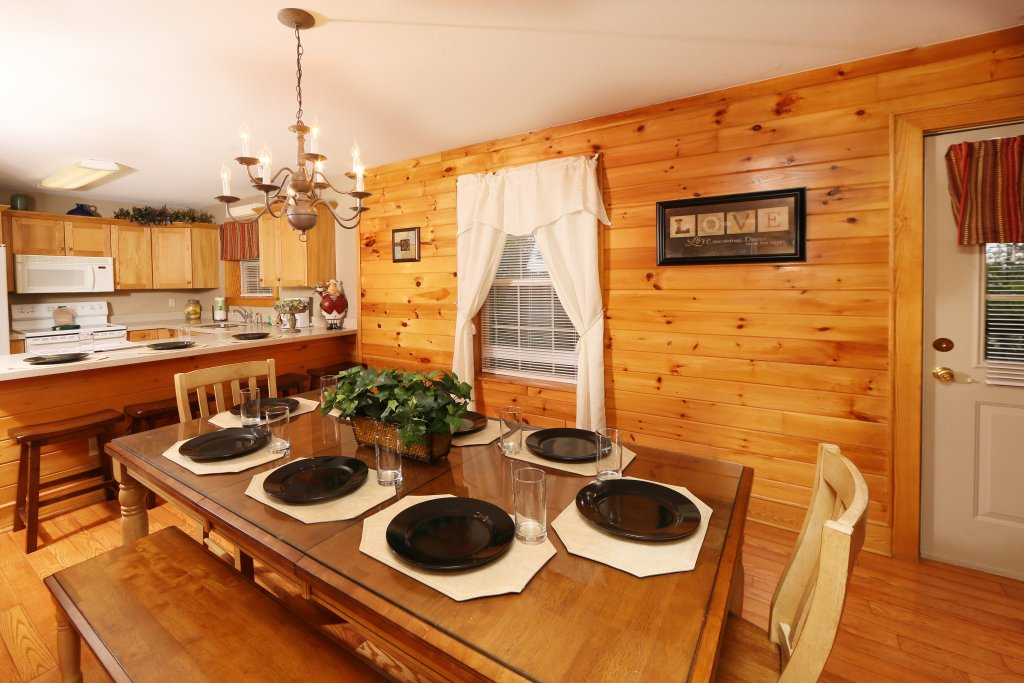 Photo of a Pigeon Forge Cabin named Pinnacle View 7c - This is the twenty-third photo in the set.