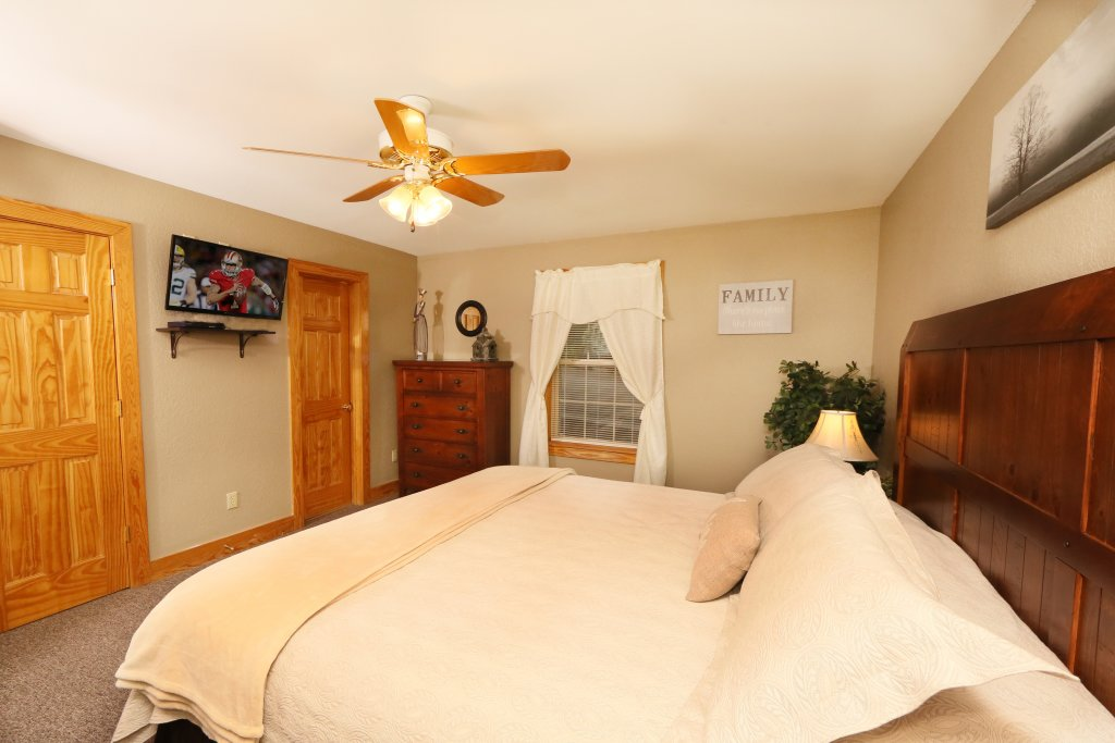 Photo of a Pigeon Forge Cabin named Pinnacle View 7c - This is the fourteenth photo in the set.