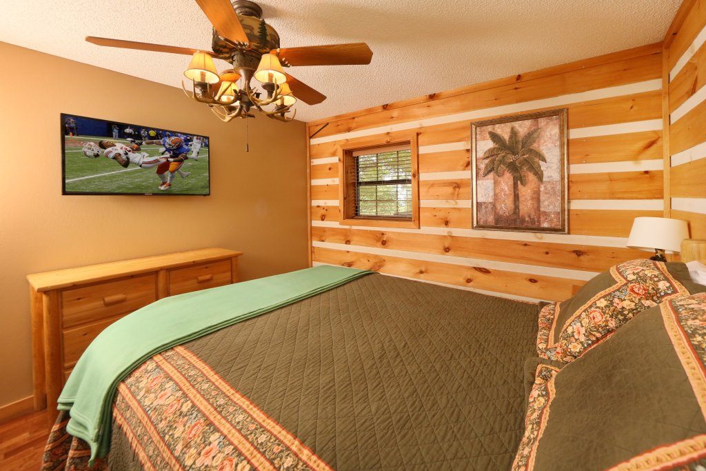 Photo of a Pigeon Forge Cabin named Smoky View With A Twist - This is the seventeenth photo in the set.