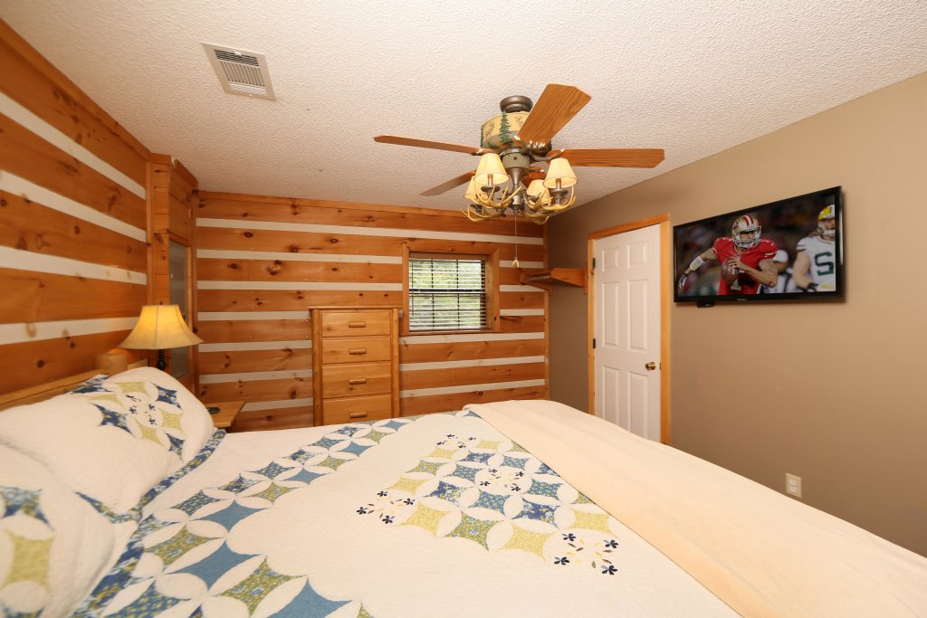 Photo of a Pigeon Forge Cabin named Smoky View With A Twist - This is the twelfth photo in the set.