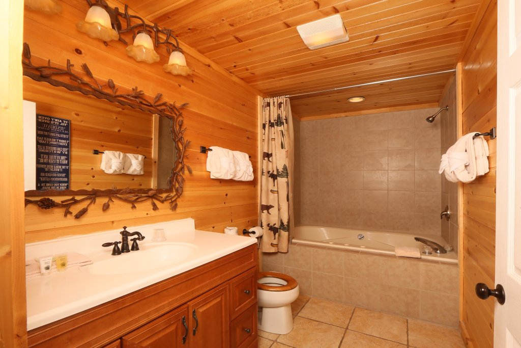 Photo of a Pigeon Forge Cabin named Smoky View With A Twist - This is the eighteenth photo in the set.