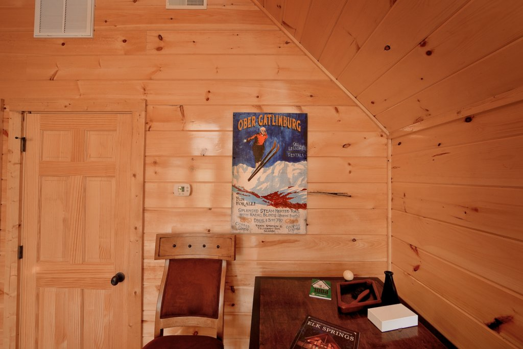 Photo of a Gatlinburg Cabin named Cherokee Charm - This is the eighth photo in the set.