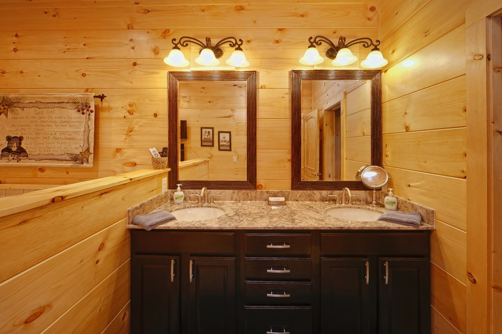 Photo of a Gatlinburg Cabin named Ever After - This is the eighteenth photo in the set.