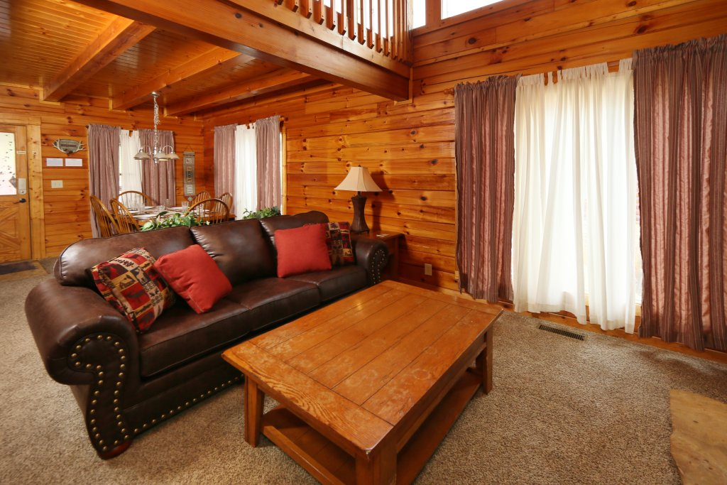 Photo of a Pigeon Forge Cabin named Snow Bear - This is the ninth photo in the set.